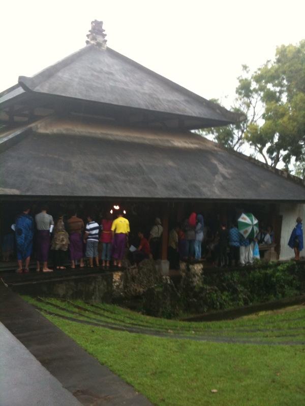 Kecak Uluwatu waktu hujan