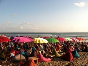 payung di pantai seminyak bali