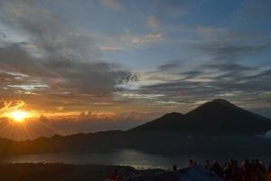sunrise dari atas gunung Batur